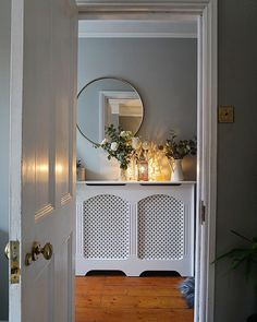 Thanks to end_of_the_row for this gorgeous hallway inspiration picture of our round mirror!