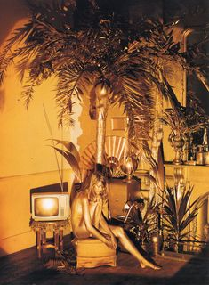 CLM - Set Design - Shona Heath - crazy for gold, photography by Tim Walker