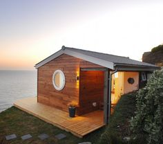 This tiny coastal cottage is set on a cliff with a view of the sea in the U.K. | Tiny Homes | #tinyhomes #tinyhouse #cottage