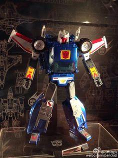 Transformers Masterpiece MP-25 Tracks