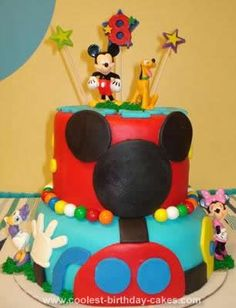 Homemade Mickey Mouse Clubhouse Cake: I was thrilled when my son, now 8 decided he wanted a Homemade Mickey Mouse Clubhouse Cake.  Finally!  All these years....he wanted one when he turned