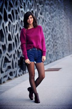 Look Boots And Leggings, Shorts With Tights, Tights Outfit, Sweater And Shorts, Hot Shorts, Black Tights, Fall Outfits 2018, Fall Outfits For Work, Casual Outfits