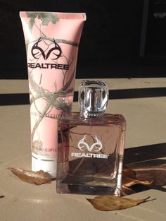 Realtree women's perfume. This stuff smells so good, love it!!!