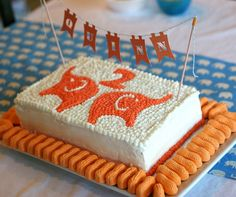 CUTE elephant/circus cake // prudent baby @Sara Jacques Mathiak - wouldn't this be cute for Ryder's birthday?!