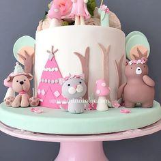 Fairy Tale woodlandcake butikpasta birthdaycake dogumgunupastasi ormanpasta ciftlikpasta animalscake 1yaspastasi