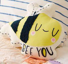 wh-bees-floral-applq-sham+%281%29.jpg 550×518 pixels