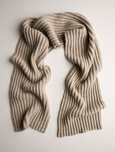 Our Two-Tone Mistake Rib Scarf knitting pattern creates a fairly magical outcome using a simple mistake rib stitch and single-row striping! Mens Scarf Knitting Pattern, Mens Knitted Scarf, Beginner Knitting Patterns, Knitting For Beginners, Knitting Stitches, Free Knitting, Men Scarf, Knitting Scarves, Man Scarf Knit