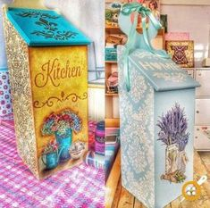 ahşap boyama ekmeklik modelleri Arte Country, Mdf Wood, Wood Creations, Little Houses, Vintage Wood, Painting On Wood, Handicraft, Wood Crafts, Painted Furniture