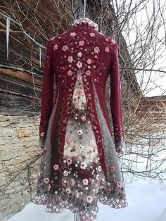 Beautiful Outfits, Cool Outfits, Mode Steampunk, Altered Couture, Boho Fashion, Fashion Design, Fashion Scarves, Coats For Women, Types Of Sleeves
