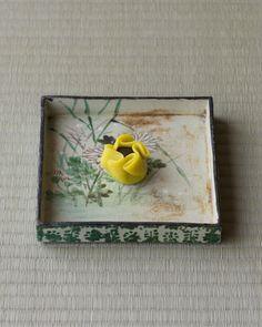 菓=仙家の香/嘯月(京都)  器=色絵秋草文色紙皿 尾形乾山作 江戸時代