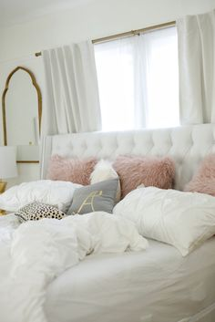 Grey white and pink bedroom white gold bedroom decor gold rooms white gold and pink bedroom . White Bedroom Design, White Gold Bedroom, Bedroom Designs, White Walls, Roomspiration, My New Room, House Rooms, Living Rooms, Dream Bedroom