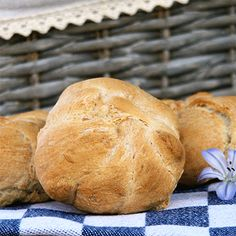 Semmerl (nach Christina Bauer) - Küchenmomente - posted by www. Bread Rolls, Bread Baking, Food, Oven, Book, Food And Drinks, Health, Recipies, Baking