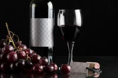 Sofisticada Maqueta De Botella De Vino Con Etiqueta Colgante - Original Mockups