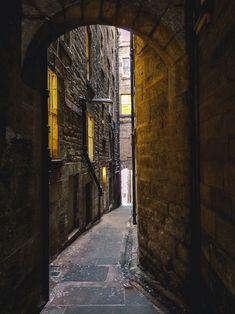 Edinburgh free walking tour, hidden closes