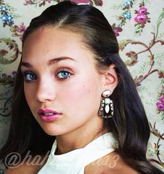 Added by #hahaH0ll13 Maddie Ziegler. I'm officially jealous of a 12 yr old lol. SHE'S SO GORGEOUS!!!