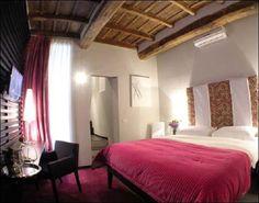 TREVI FOUNTAIN Area:  Inn Residenza Trevi Roma  -  Via Del Lavatore 83, Rome