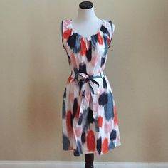 Dress ⭐️Adorable sleeveless dress with a multi-colored paintbrush patter⭐️In excellent condition⭐️97% Cotton & 3% Spandex⭐️Hand Wash⭐️No TradesNo PayPal Simply Vera Vera Wang Dresses