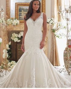 Curves are fabulous! We have a great selection of wedding dresses for our curvy brides! Come see us today from 10-5! 205-403-7977 #alabamaweddings #bhambride #southernweddings