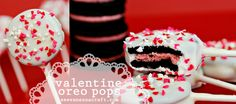 Valentine's Day Oreo cookie pops Oreo Pops, Oreo Cookie Pops, Oreo Cookies, Cupcake Cookies, Oreos On A Stick, Oreo Filling, Salted Caramel Fudge, Salted Caramels, Chocolate Covered Oreos