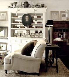 elegant black and white sitting room - fabulous styling
