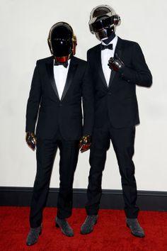 Les Daft Punk en Saint Laurent par Hedi Slimane http://www.vogue.fr/mode/look-du-jour/articles/les-daft-punk-en-saint-laurent-par-hedi-slimane/22056