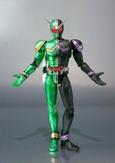 Kirin Hobby : Kamen Rider W: Double Cyclone Joker S.H.Figuarts Action Figure Bandai 4543112605276