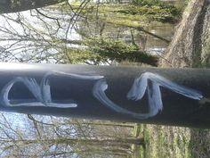 graffiti op een lantaarnpaal (fantasie, bovenkast, verlengd)