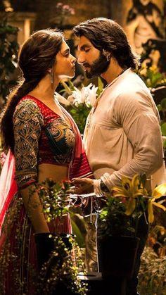 Deepika Padukone Movies, Deepika Ranveer, Deepika Padukone Style, Ranveer Singh, Deepika Padukone Wallpaper, Movie Couples, Romantic Couples, Romantic Scenes, Beautiful Bollywood Actress