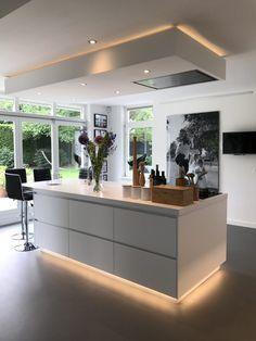 Kitchen Interior, Cool Kitchens, Kitchen Island, New Homes, Home And Garden, House, Inspiration, Design, Home Decor