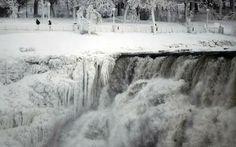 Frozen Niagara Falls, amazing