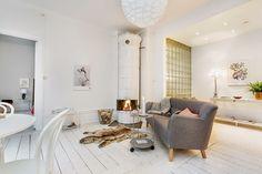 Grå Mustangen soffa. 50tal, träben, trä, vardagsrum, sekelskift, kakelugn, retro, möbler, inredning. http://sweef.se/soffor/97-mustangen-soffa-50-tal.html
