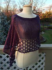 Ravelry Crochet Poncho Free Pattern - Lots Of Inspiration Pull Crochet, Gilet Crochet, Crochet Poncho Patterns, Crochet Shawls And Wraps, Crochet Jacket, Crochet Scarves, Crochet Clothes, Free Crochet, Knitting Patterns