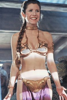 Original Series from Carrie Fisher: A Life in Pictures She later starred in the several Star Wars movies to come after her first, including this famous scene from Return of the Jedi. Star Wars Cast, Leia Star Wars, Star Wars Princess Leia, Princess Leia Bikini, Princess Leia Cosplay, Carrie Fisher, Meninas Star Wars, Princesa Leia, Star Wars Pictures