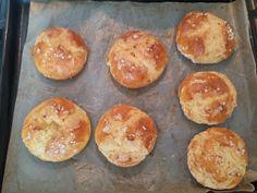 Bezlepkové tvarohové bulky Gluten Free Recipes, Muffin, Breakfast, Food, Baking, Breakfast Cafe, Muffins, Essen, Gluten Free Menu