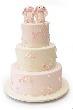 Twin Bunnies Baby Shower Cake | http://www.pinkcakebox.com/twin-bunnies-baby-shower-cake/