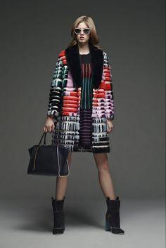 20 looks with Fashion Designer Fendi Glamsugar.com Fendi Pre Fall 2015   Collection (2)