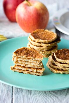 This free from pancakes for babies and toddlers are made with no egg and no milk Healthy pancakes that are great for baby led weaning Recipe on Brunch Recipes, Baby Food Recipes, Breakfast Recipes, Vegan Recipes, Breakfast Ideas, Kid Recipes, Pina Colada, Baby Led Weaning Breakfast, Baby Weaning