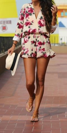 summer fashion flower print playsuit