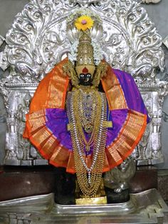 "Kolhapur Mahalakshmi Kirnotsav It is strongly believed that the Setting Sun rays worships the Goddess Mahalakshmi. This special ""festival of Sun rays"" known as'KiranUtsav' or Kirnotsav is celebrated by thousands of devotees at Mahalaxmi temple Kolhapur. Hanuman Images, Durga Images, Shivaji Maharaj Hd Wallpaper, Hindu Statues, Tanjore Painting, Face Illustration, Durga Maa, Sacred Feminine, Goddess Lakshmi"
