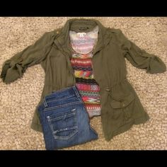 Apt. 9 army jacket green olive medium This jacket is a wardrobe staple! It is a size medium and is mega soft! This is the new neutral piece to tie your outfit together. Looks great with combat boots and shorts or even a maxi skirt. Apt. 9 Jackets & Coats Utility Jackets