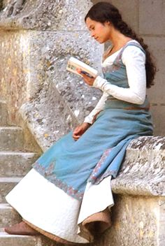 Angel Coulby behind the scenes ~ Merlin