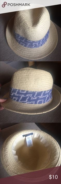 Straw fedora Straw fedora made by banana republic. Size S. In great condition Banana Republic Accessories Hats