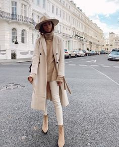 Beige Dress Outfit, Tan Boots Outfit, Neutral Outfit, Neutral Style, Nude Style, Neutral Colors, Paris Winter Fashion, Autumn Fashion, Dressy Winter Fashion