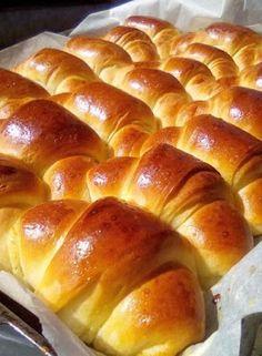 Croissants, Hot Dog Buns, Scones, Bread Recipes, Bakery, Food And Drink, Favorite Recipes, Sweets, Cooking