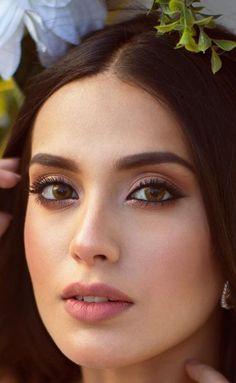Makeup Eye Looks, Beautiful Eye Makeup, Soft Makeup, Indian Girl Makeup, Girls Makeup, Bridal Makeup Videos, Wedding Makeup, Beautiful Bollywood Actress, Beautiful Indian Actress