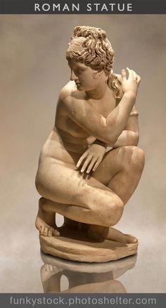AD Roman copy of a Greek original. The goddess Venus id surprised whilst bathi Ancient Greek Sculpture, Greek Statues, Ancient Art, Aphrodite, British Museum, Human Sculpture, Art Antique, Photo Chat, Architecture Tattoo
