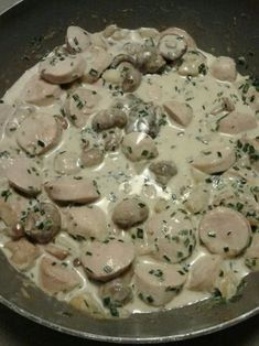 champignon, boudin blanc, oignon, huile d'olive, crème fraîche liquide, vin blanc, bouillon