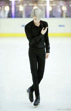 Viktor Nikiforov-Yuri on ice.