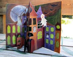 How To Make a Pop Up Spooky Halloween Card: step by step instructions with photos.