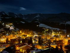 Megève welcomes its guests in a preserved setting where mountain architecture and cobblestone streets blend perfectly into the surrounding landscape. Mount Everest, Mountains, Landscape, Architecture, Street, Nature, Travel, Arquitetura, Naturaleza